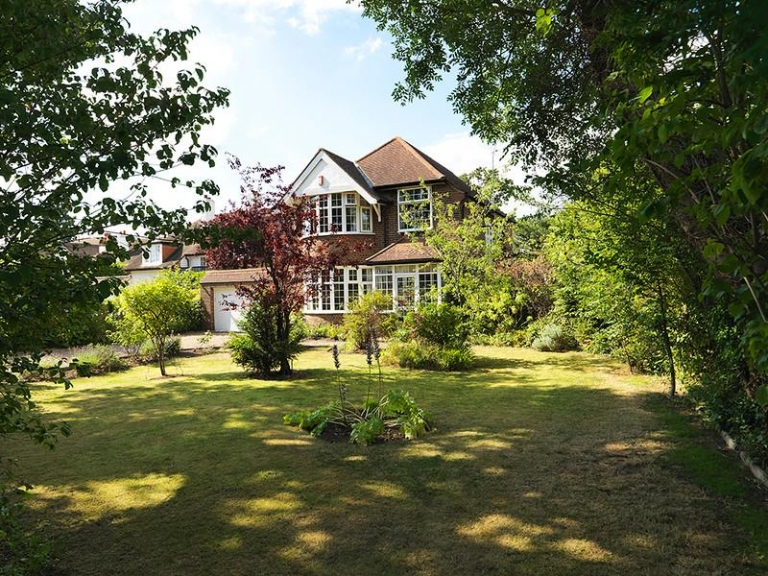 SOLD! Broad Lane, Hampton, TW12