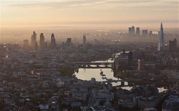 london at dawn b
