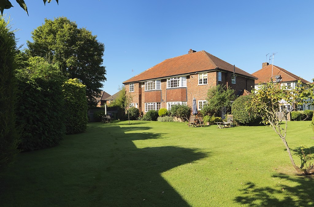 SOLD ! Ditton Lawn, Thames Ditton, KT7