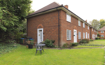 SOLD ! Gloucester Close, Thames Ditton, KT7