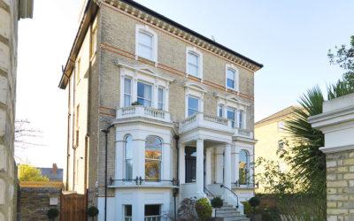 SOLD ! Avenue Elmers, Surbiton, KT7 | £599,950